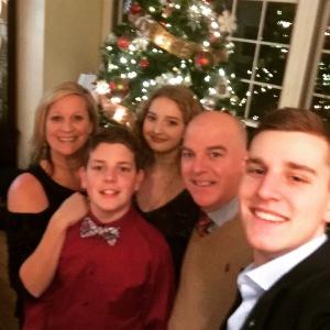Family christmas shot 2017