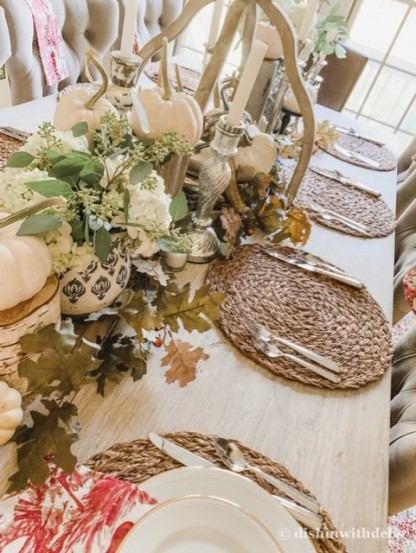 The natural placemats are a great backdrop for the placesetting.