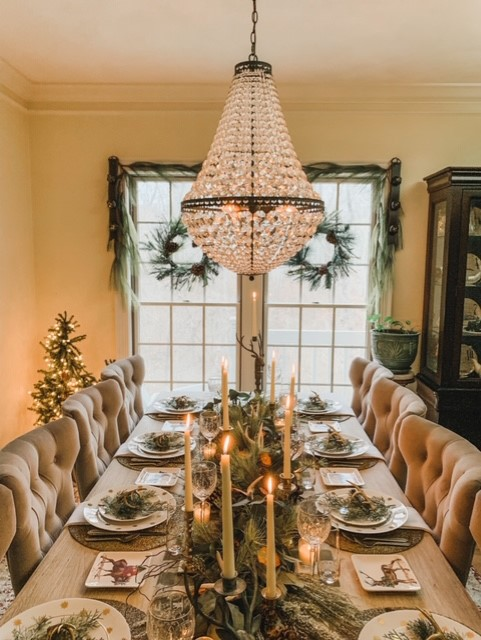 A Christmas Table of Green andGold
